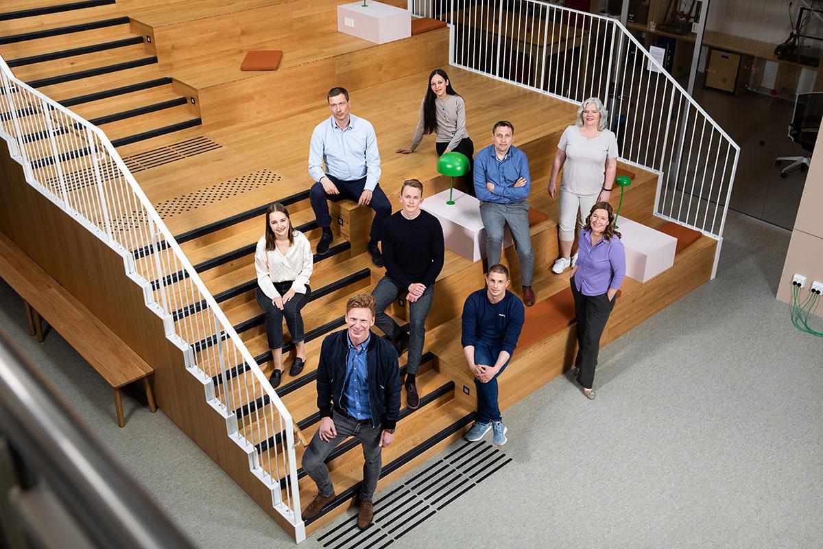 Jan Terje med Inven2 gruppe i trapp